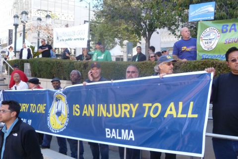 480_ilwu_local_10_banner_at_bart_united_labor_rally.jpg