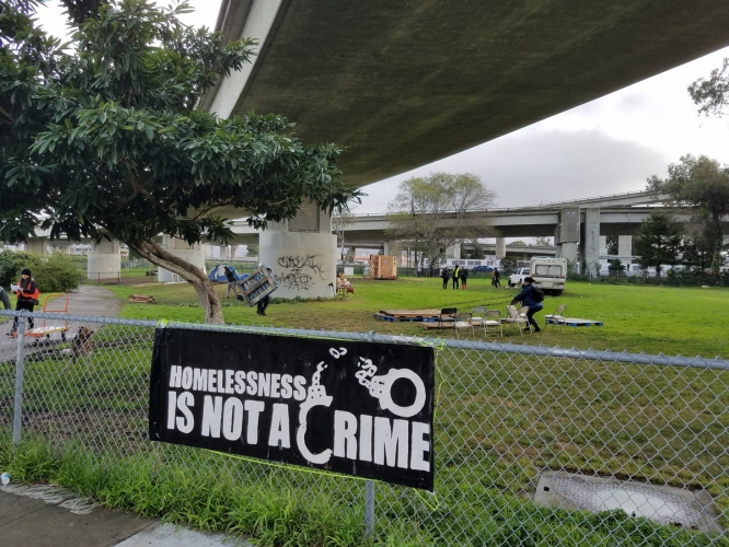 sm_homelessness-not-a-crime.jpg