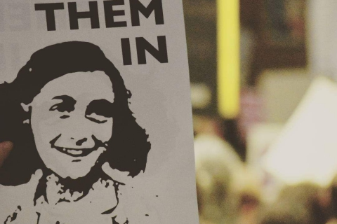 480_sfo-anne-frank-let-them-in.jpg