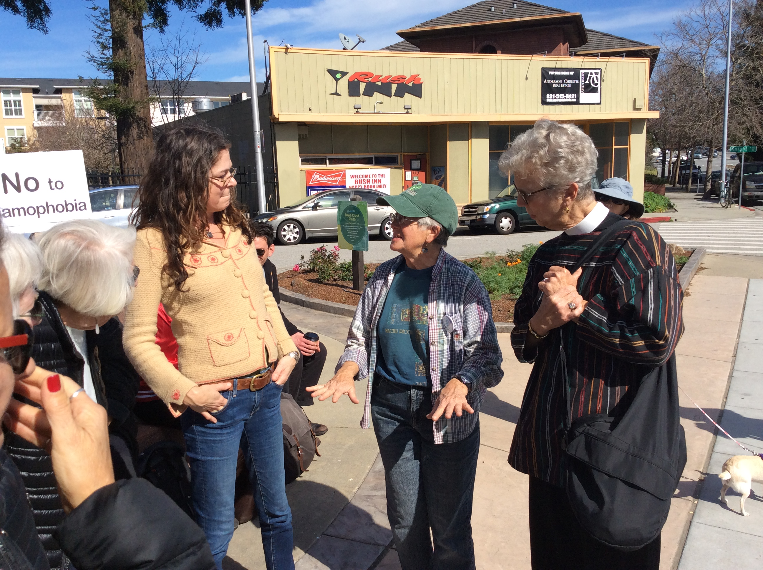 santa cruz muslim Are 300 recipes enough to counter anti-muslim  trump is scheduled to meet with those affected by the santa fe high  cruz said he has reached out to .