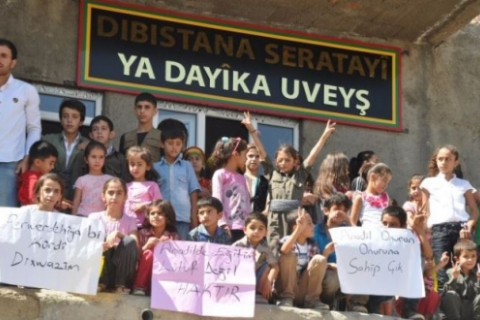480_turkey_kurdish_teachers_and_children_protest_gov_attacks.jpg