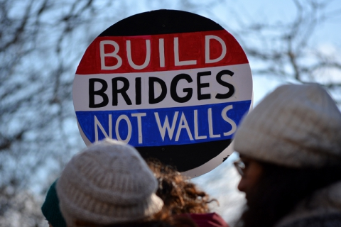 480_build-bridges-not-walls.jpg