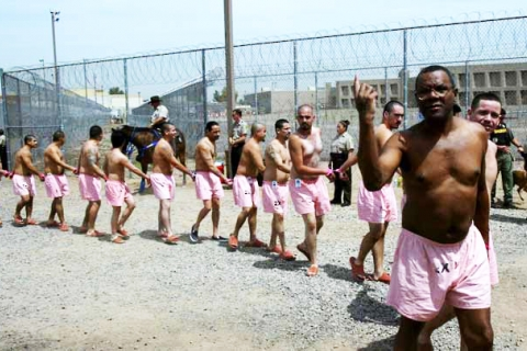 480_joe-arpaios-tent-city-prisoners-in-pink-undershorts-must-stroll-yard-hand-in-hand-humiliating-to-purify-by-paul-oneil-ap_1.jpg