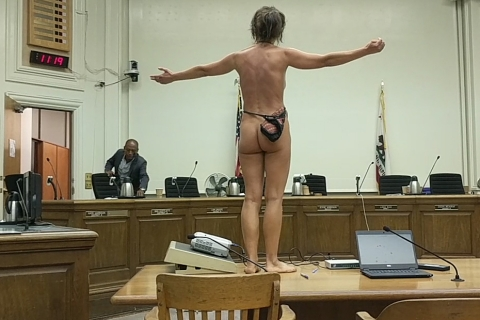480_berkeley-city-council-naked-riot-part2.jpg