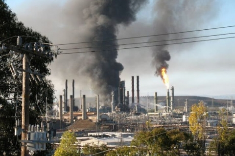 480_cheveron_refinery_burning.jpg