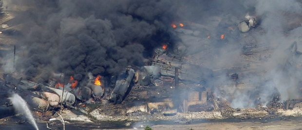 canada_lac-megantic_7_6_13_-train_wreck__1.jpg