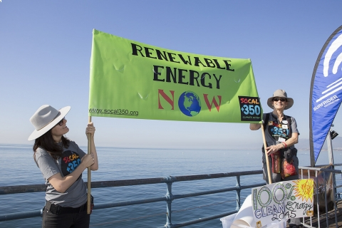 480_offshore_oil_drilling_protest_los_angeles_2.jpg