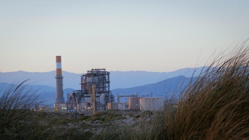 sm_mandalay_bay_gas_plant_in_oxnard.jpg