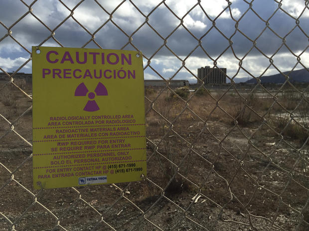 hunters_point_nuclear_warning_sign.jpg