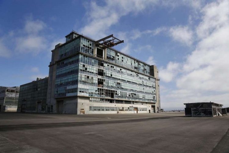 sm_hunters-point-shipyard_nuclear_facility_-building.jpg