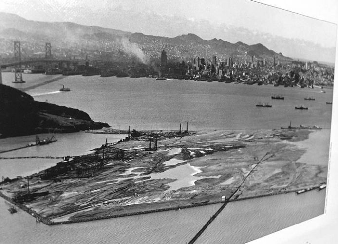 sm_treasure_island_being_constructed_in_1930s.jpg