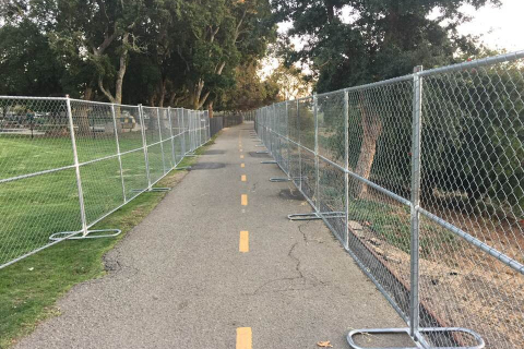 480_fencing_off_san_lorenzo_park_from_the_homeless_santa_cruz_1.jpg