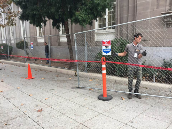 sm_santa_cruz_post_office_anti_homeless_architecture_fence_3.jpg