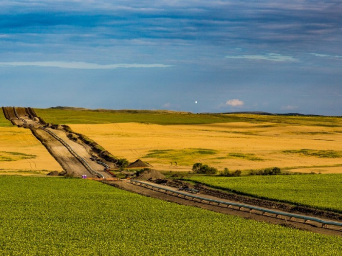 sm_dakota_access_pipeline_-_new_salem_north_dakota_-_photo_by_tony_webster.jpg