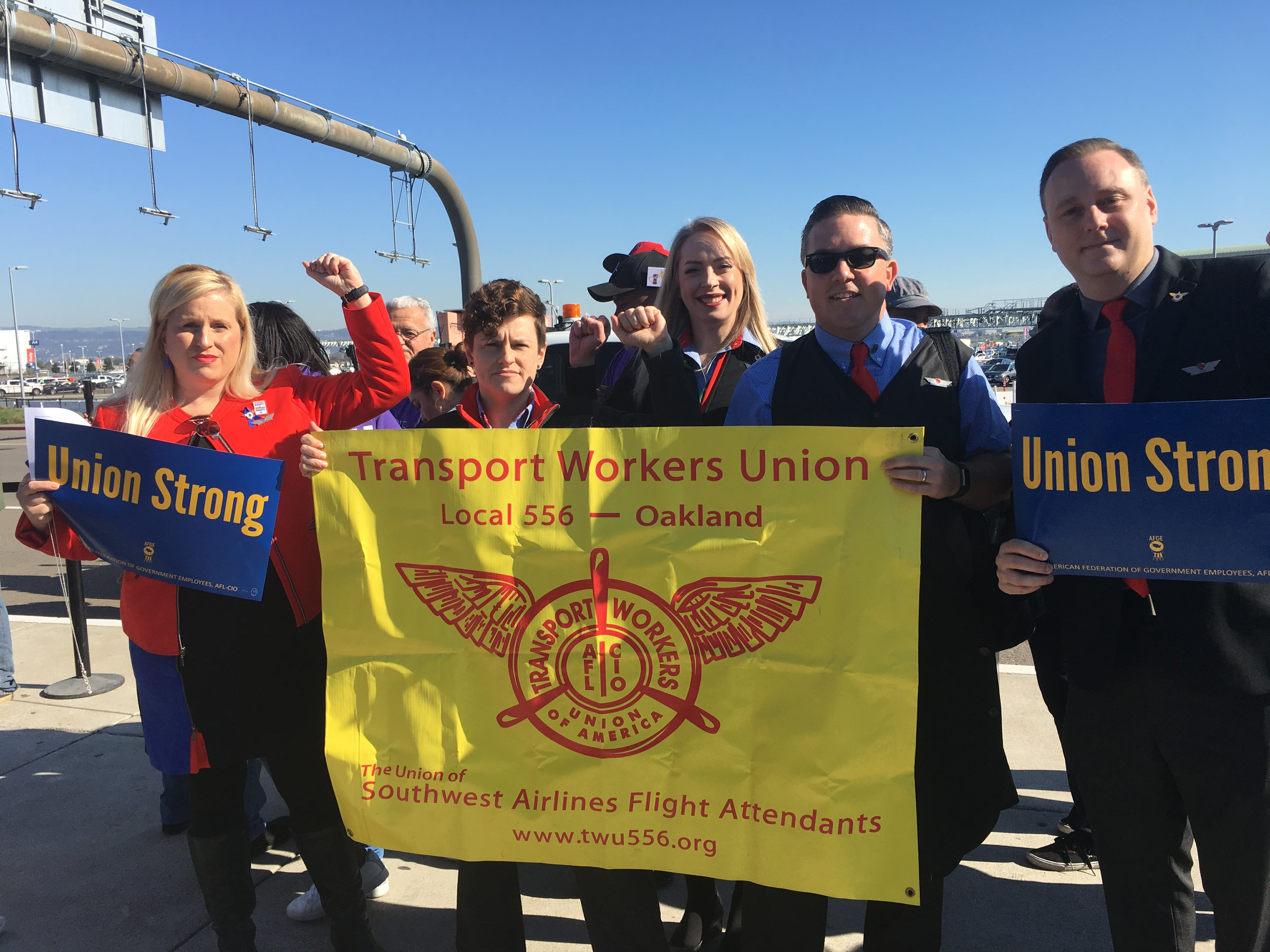 AFGE Workers With Airline Workers & Labor Protest At Oakland