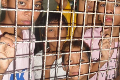 480_children-cages-696x464.jpg