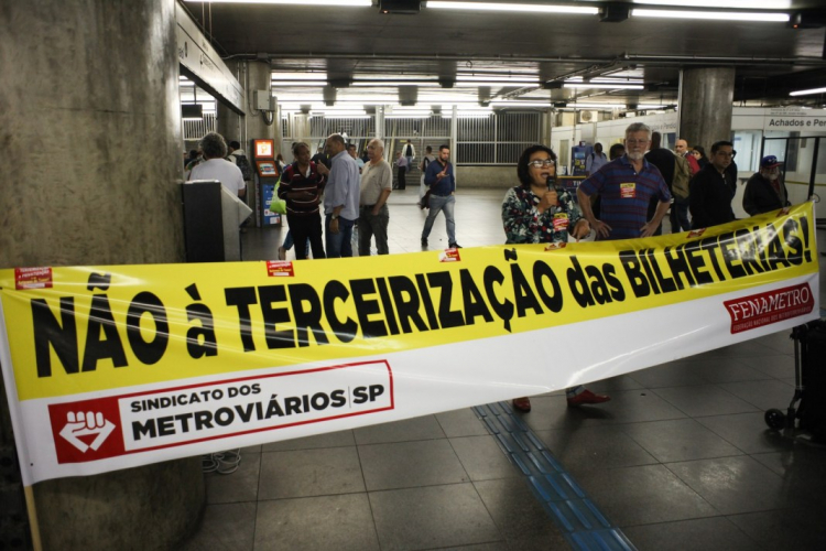 sm_brazil_sao_paulometro-employees-jprotesting-sp-photo-courtesy-of-metroviarios.jpg