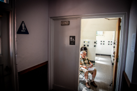 480_rabbi-philip-posner-louden-nelson-center-bathroom-protest-santa-cruz.jpg