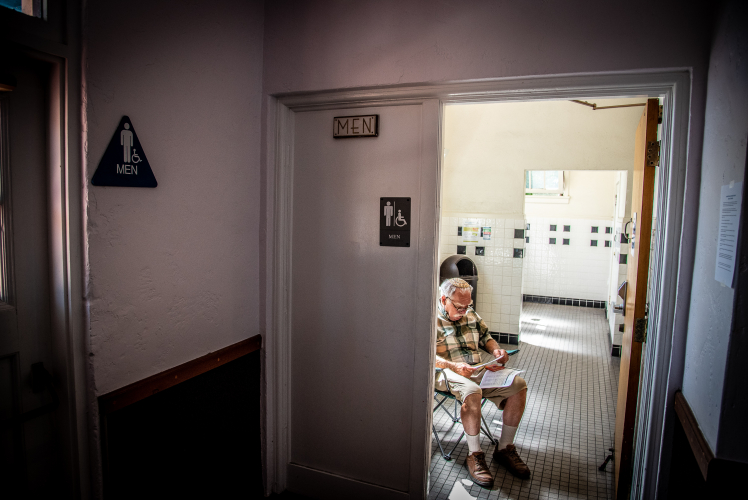 sm_rabbi-philip-posner-louden-nelson-center-bathroom-protest-santa-cruz.jpg