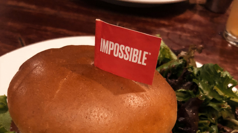 sm_impossible_burger_at_hells_kitchen_minneapolis_-_vegan_meat_synthetic-biology-genetically-engineered.jpg