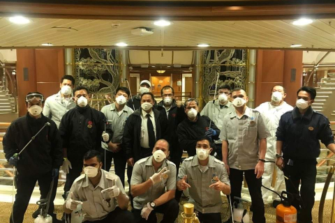 480_diamond_princess_crew_with_masks.jpg