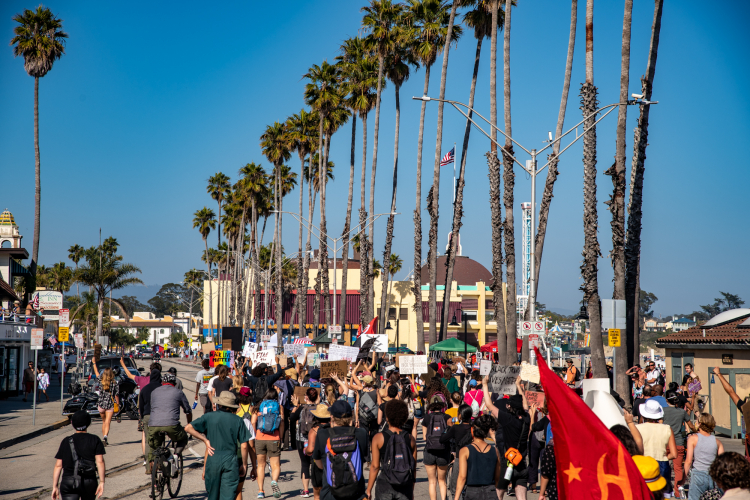 sm_anti_fourth_of_july_block_part_march_santa_cruz_4th_2020_-_8_beach_street_protest.jpg