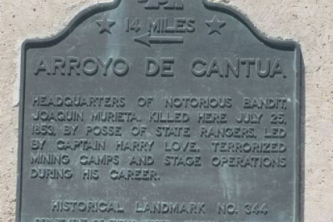 480_arroyo_de_cantua_plaque.jpg