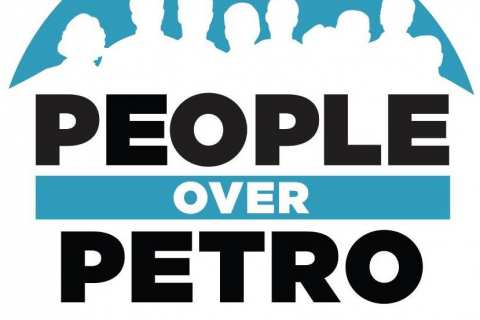 480_people_over_petro.jpg