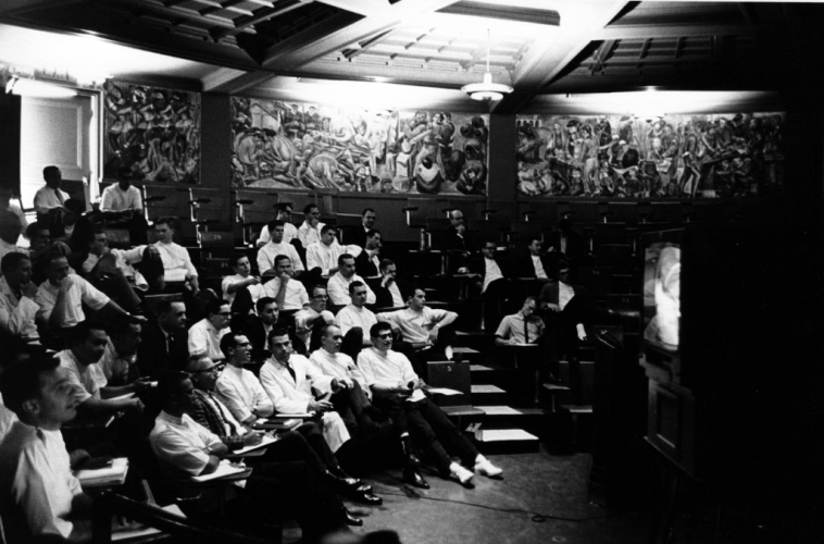 sm_zakheim_murals_with_medical_students-1962.jpg