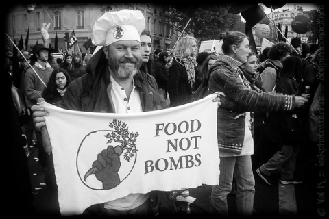 480_keith-mchenry-food-not-bombs_1.jpg