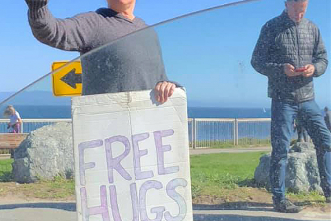 480_2-bernadette-alvarado-bernie-love-free-hugs-santa-cruz-lighthouse-west-cliff.jpg