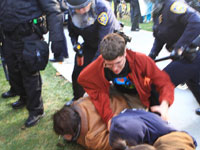 Police Pepper-Spray Students at Occupy UC Davis