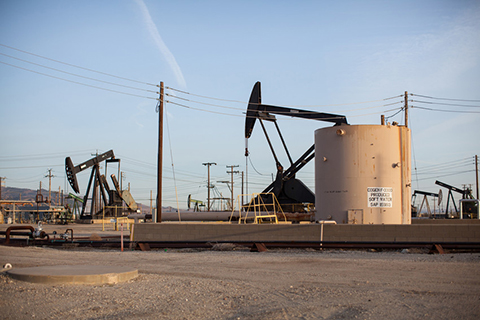 Judge Halts Federal Plan for Massive California Fracking