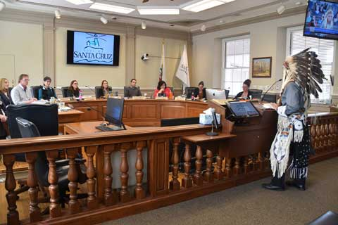 Santa Cruz City Council Votes Unanimously in Support of the Standing Rock Sioux